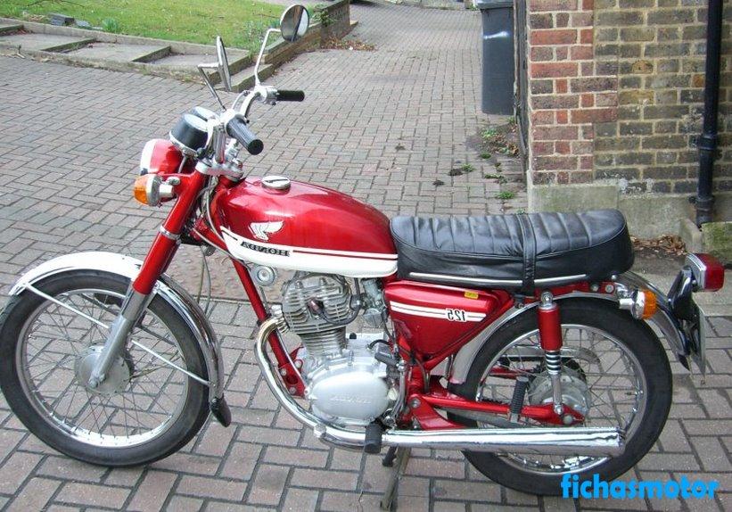 Imagen moto Honda cb 125 año 1970
