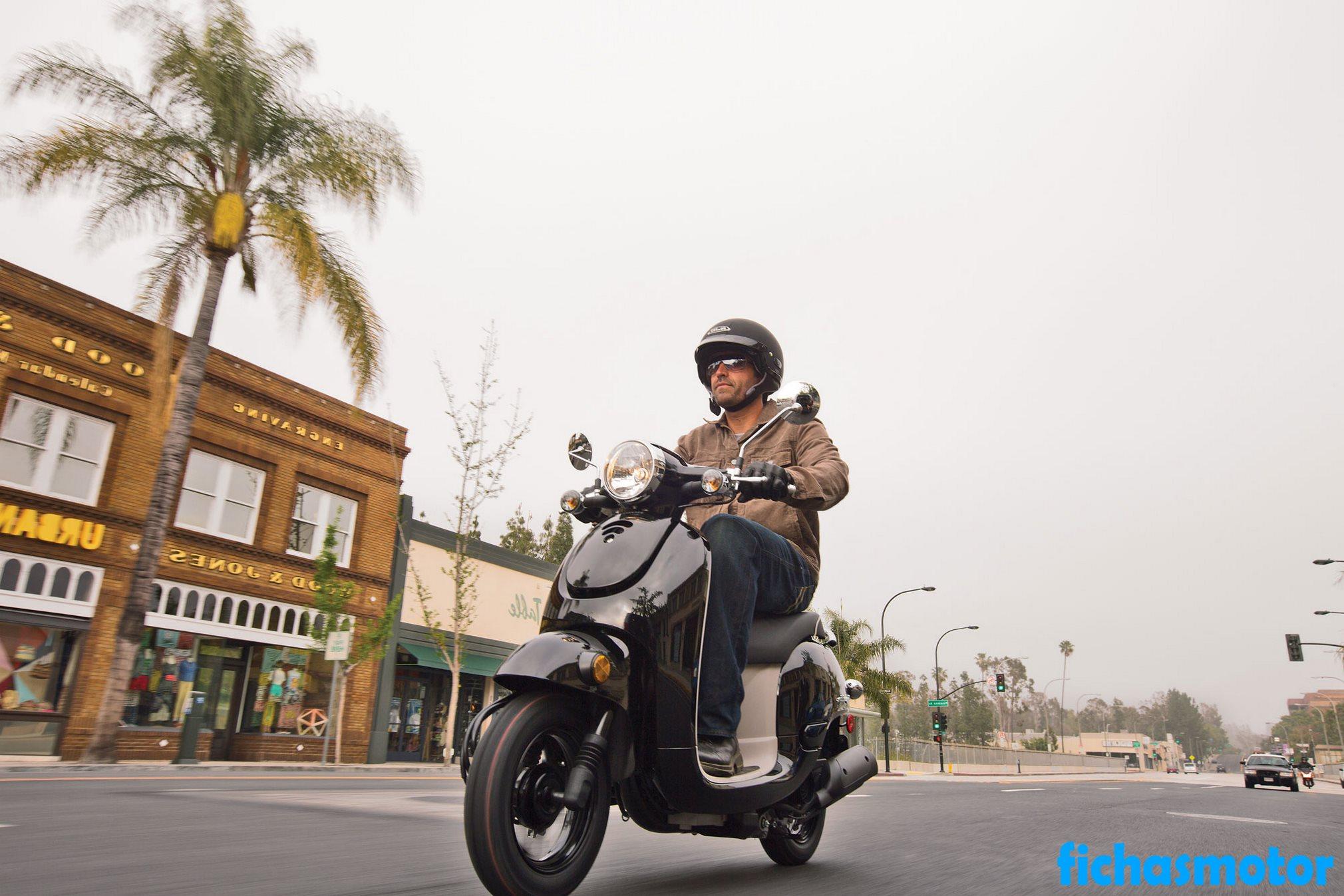 Imagen moto Honda metropolitan año 2013