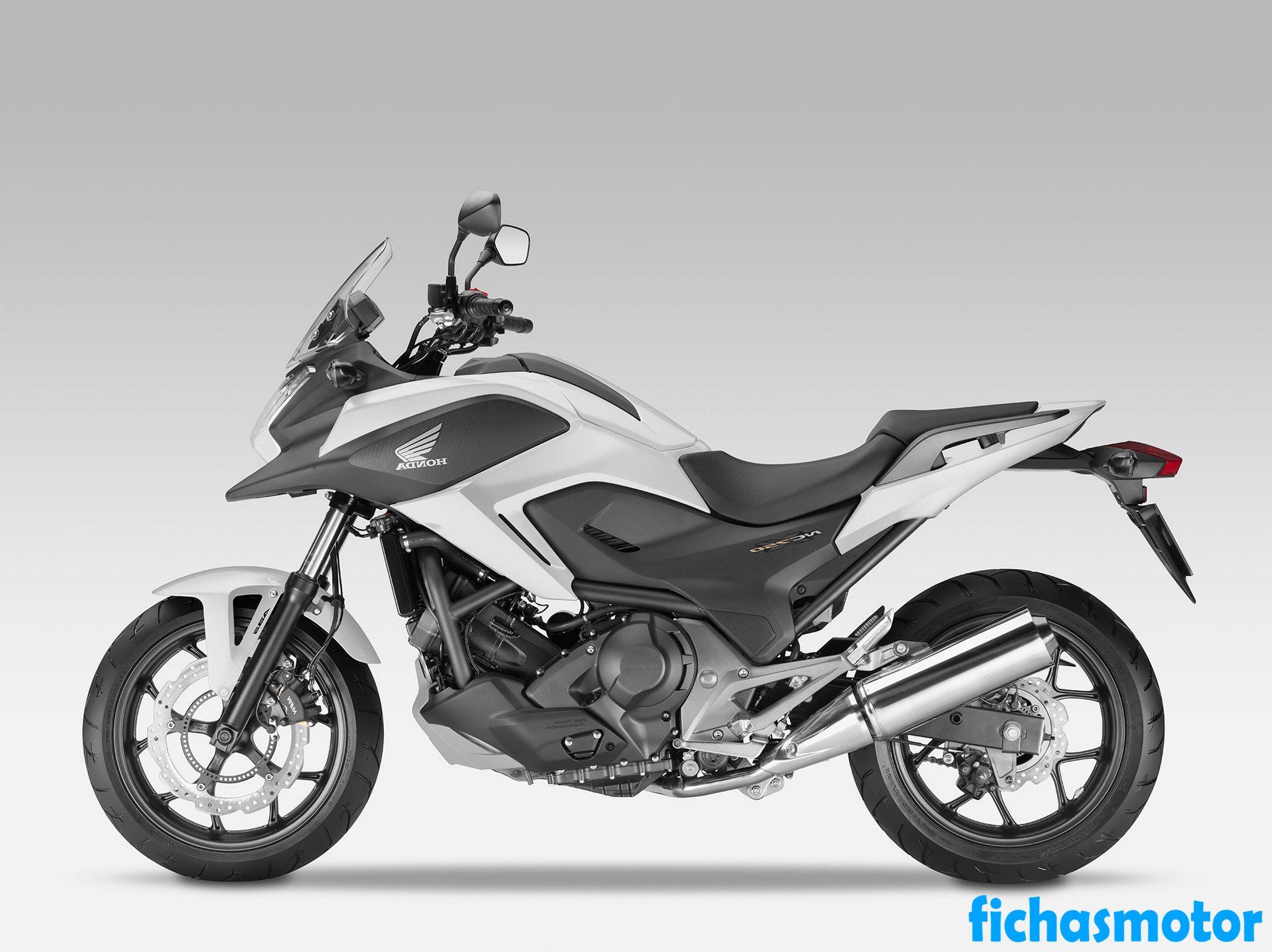 Ficha técnica Honda nc700x 2014