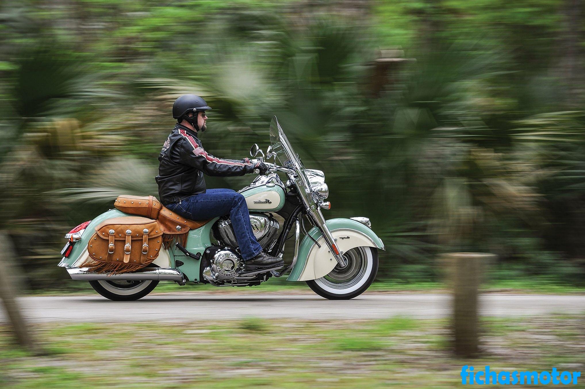 Imagen moto Indian chief vintage año 2015