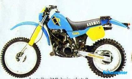 Ficha técnica Yamaha it 250 1982